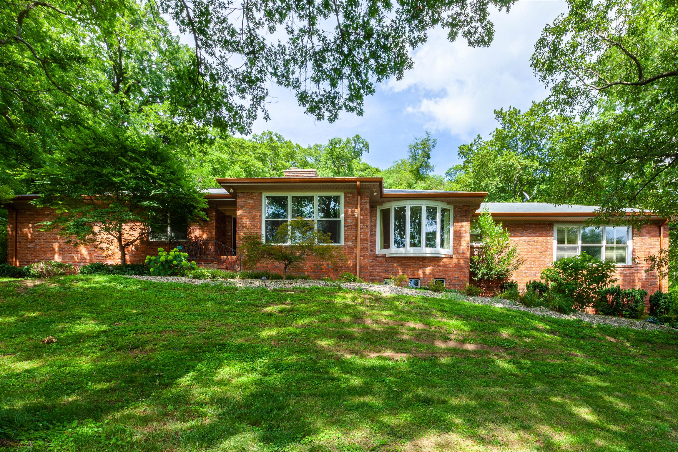 704 Summerly Dr