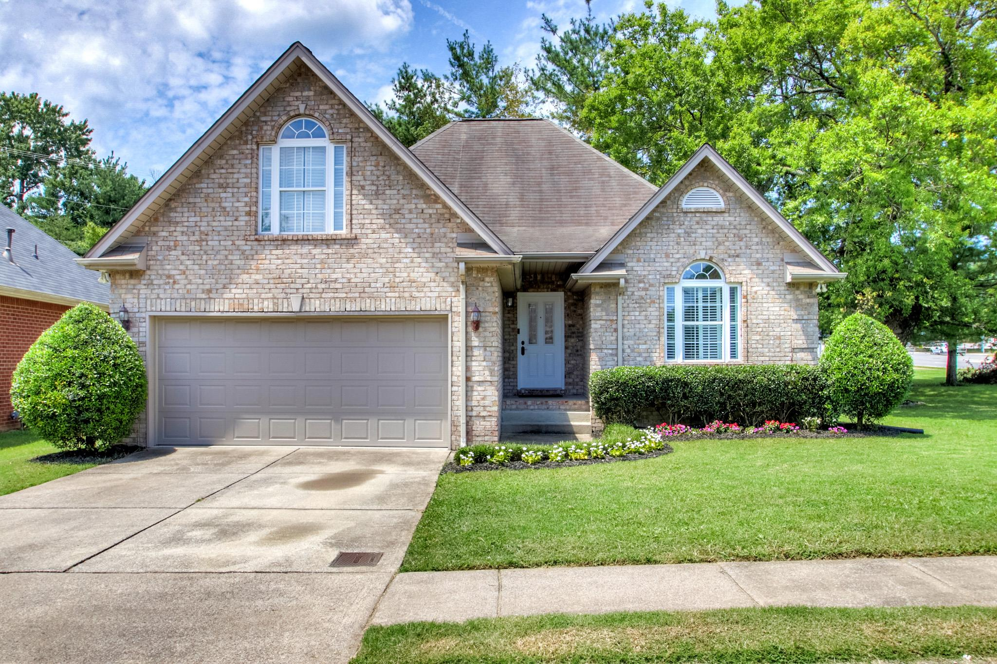 400 Hickory Chase Dr