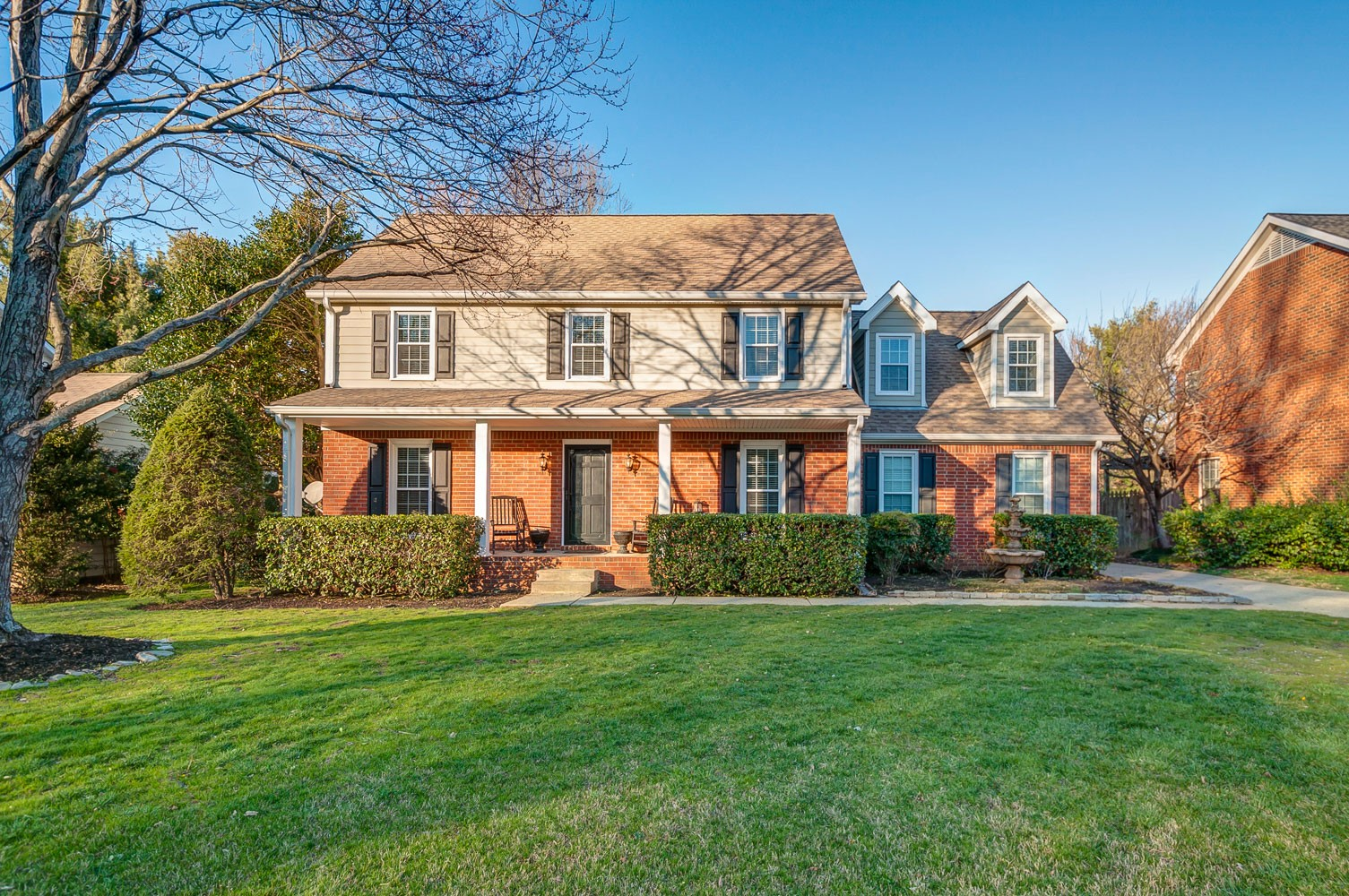 1136 Hunters Chase Dr