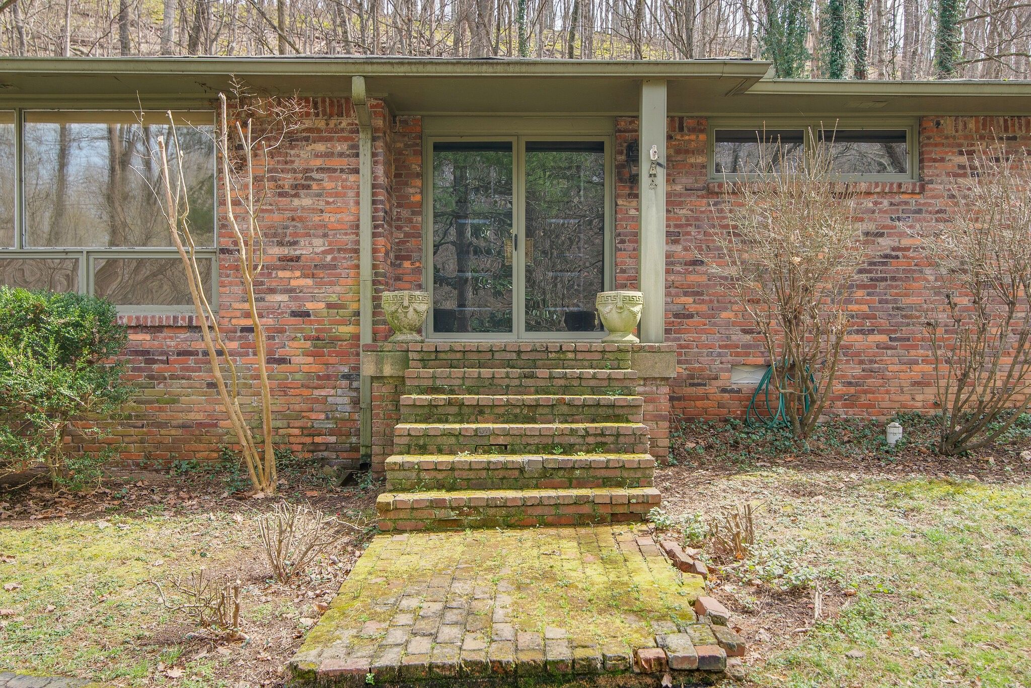 1112 Chickering Park Dr